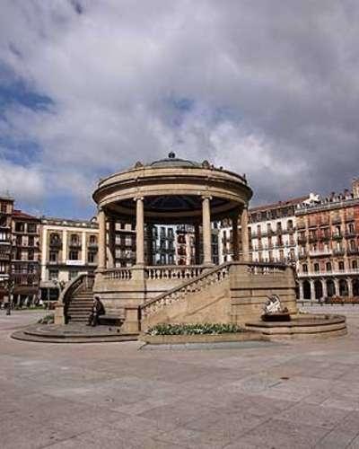 1.1 plaza castillo